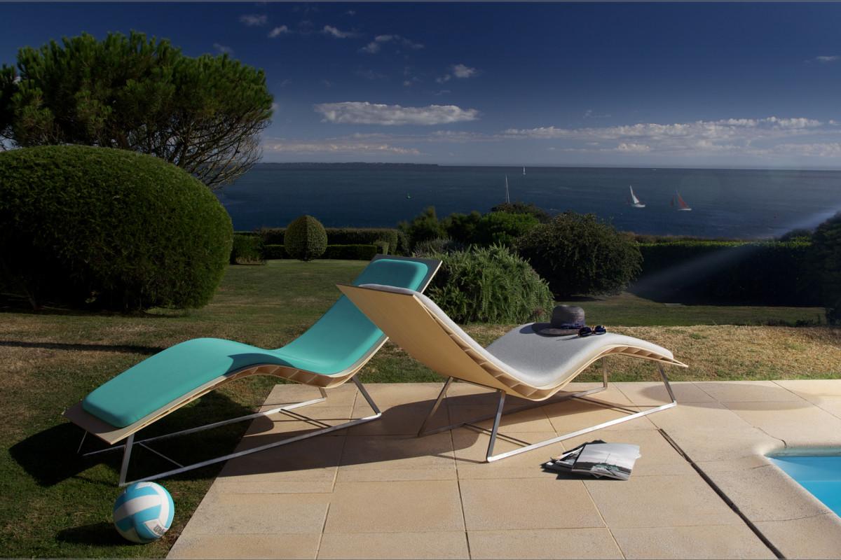 transat chaise longue design en bambou avec pi tement designers fritsch durisotti. Black Bedroom Furniture Sets. Home Design Ideas